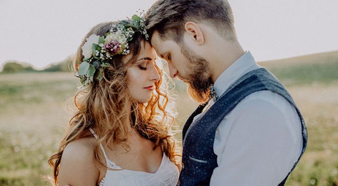 Getting married a second time has it's own challenges, but it also has a whole heap of advantages too. Knowing what it takes to have a successful marriage is just one of the differences about getting married the second time around. Here are some others.
