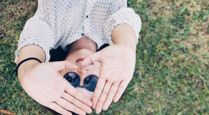 How well do you actually know yourself? You might be surprised at how powerful it can be discovering who you really are and how positive that can be for you. Use these powerful steps to help you on your self discovery path.