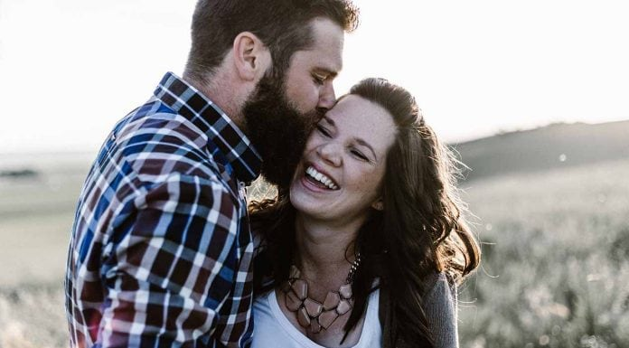 It's often the simple gestures that make a big difference in your marriage. Doing some of these little things each day can make your relationship even happier and stronger than before.