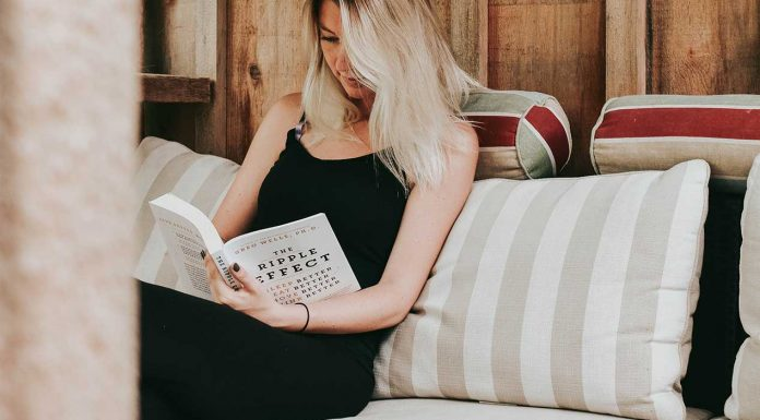 Once you realise you have a mindset around money, you'll want to make sure it's a positive one! Read these 4 books to help you change your money mindset.