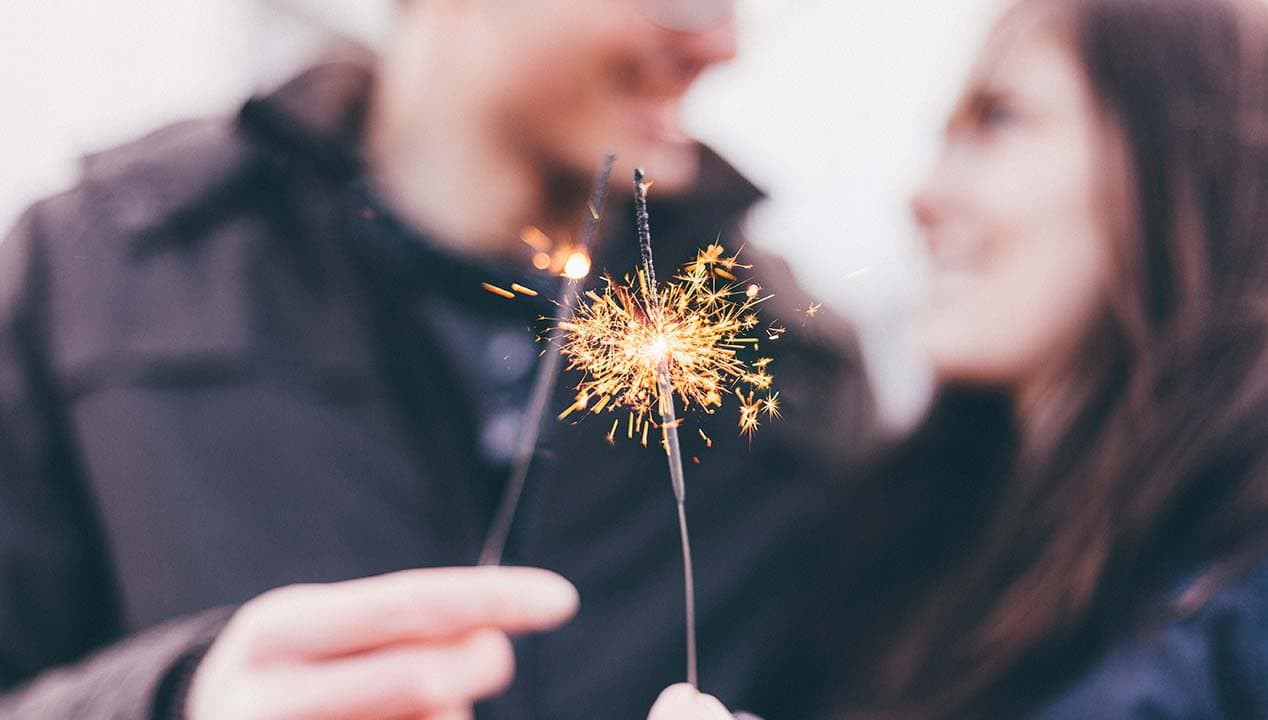 Celebrating milestones is important, but what about the daily things should be celebrating with your husband? Things that are as important as anniversaries. #marriageadvice #marriagetips #relationshipadvice #marriedlife
