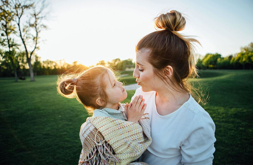 Motherhood isn't always happy smiles or fun and games. There will be times when you feel just so overwhelmed that you'll need these little tricks up your sleeve. So here's some ways you can calm down when your kids are driving you crazy.
