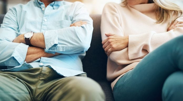 Feeling like you're in a toxic relationship but not sure if it's really toxic or if you're just in a rut? Check out these 8 signs your relationship is toxic and you need to do something about it now.