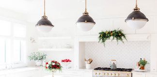 There's nothing like a deadline to put the rush on decluttering and there's no deadline like Christmas! Here's how you can declutter your home before Christmas, focusing on key decluttering areas and how you can declutter fast!