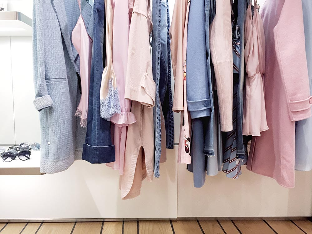 I needed to save money to achieve my financial goals. I decided to set myself a challenge and I quit buying new clothes for a year, this is what I learned.