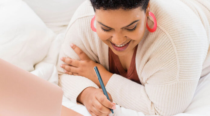 Have you decided to start journaling? Maybe you've heard of all the great benefits. Or maybe you just need a place to get out all of your thoughts. Journaling doesn't have to be fancy. Here is your beginner's guide on how to start journaling!
